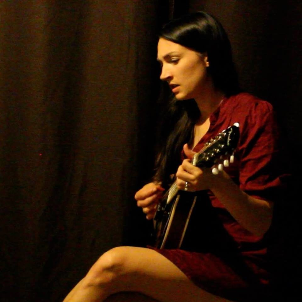 Live Music featuring Carrellee - Solo @ Vines & Rushes Winery |  |  |