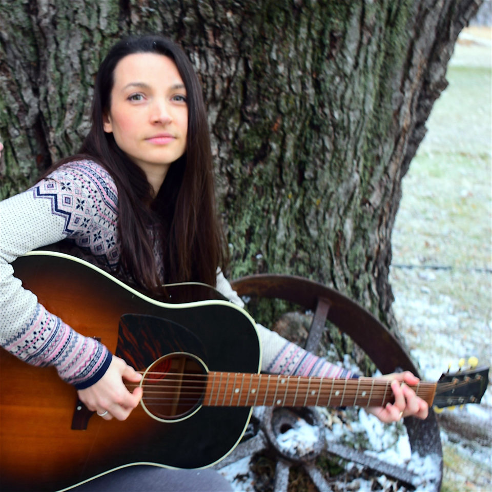 Live Music featuring Carrellee @ Vines & Rushes Winery |  |  |