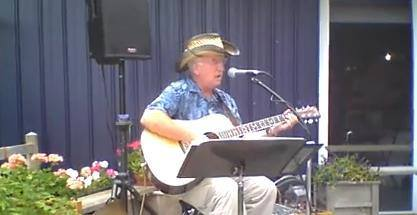 Live Music featuring Glen Navis @ Vines & Rushes Winery |  |  |
