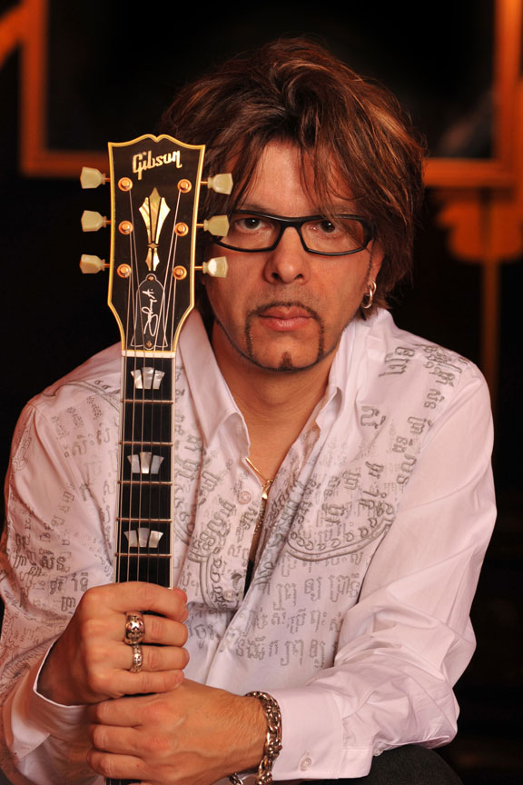 Johnny A. Just Me...and My Guitars @ Thrasher Opera House |  |  |