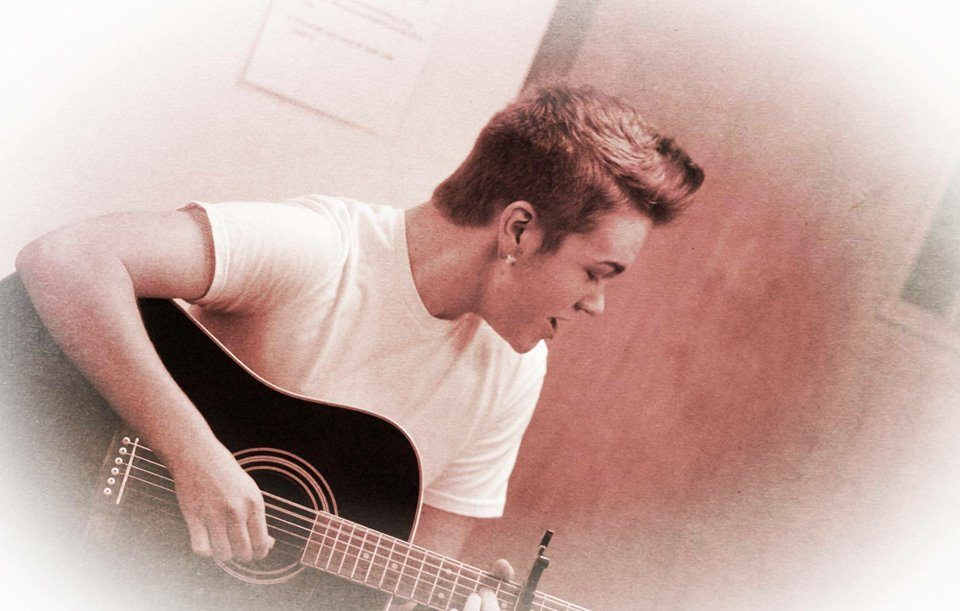 Live Music featuring Levi Ballenger @ Vines & Rushes Winery        
