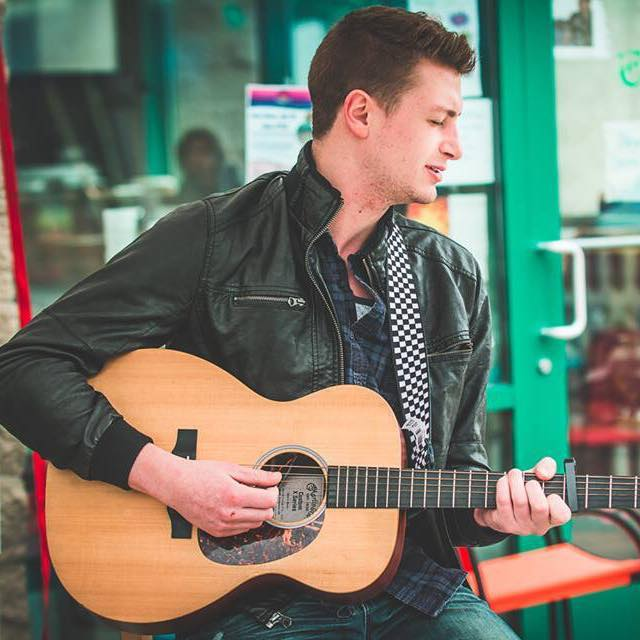 Live Music featuring Michael Grabner @ Vines & Rushes Winery        