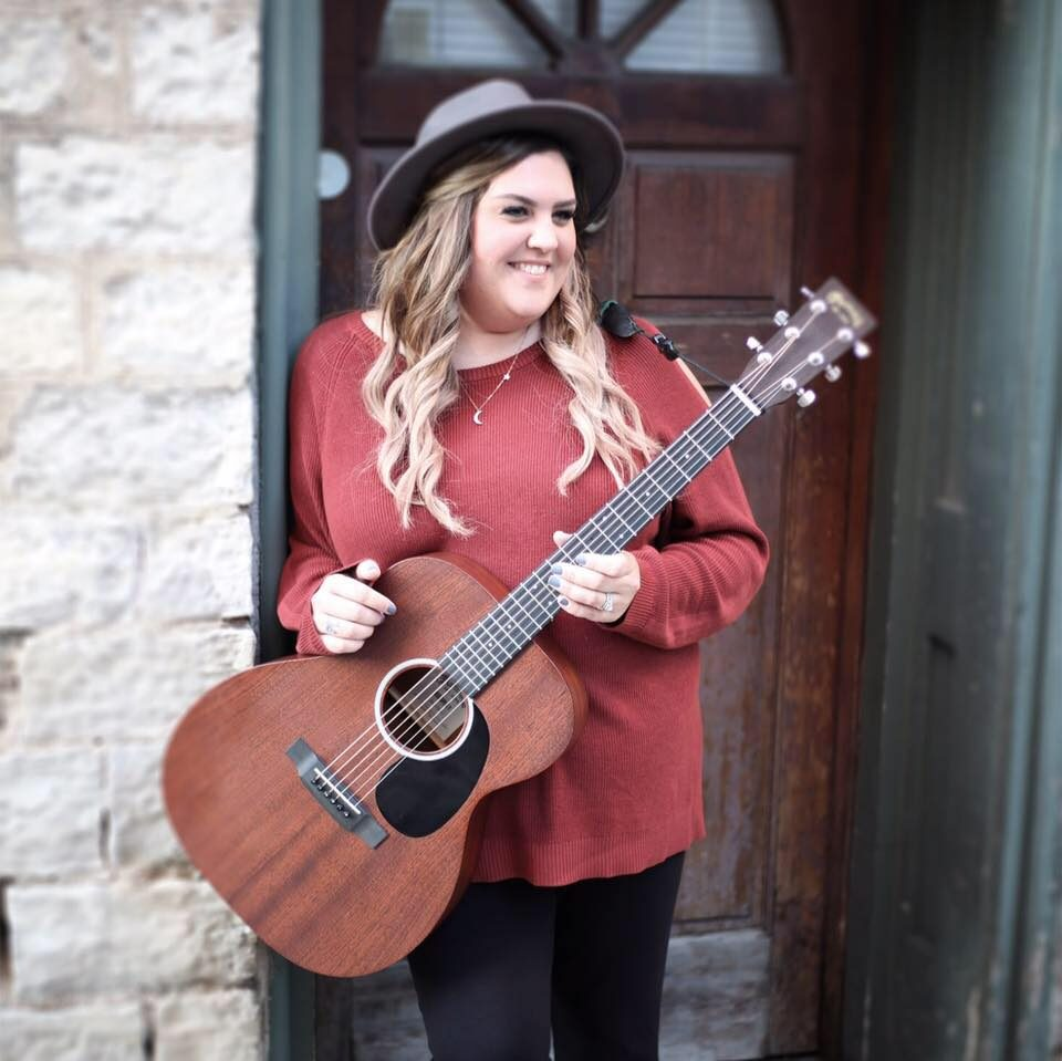 Live Music featuring Sarah Day @ Vines & Rushes Winery |  |  |
