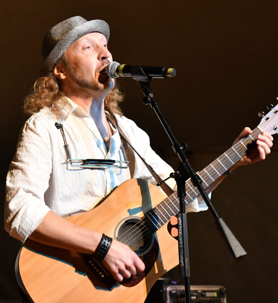 Live Music featuring Tinker Solo @ Vines & Rushes Winery |  |  |