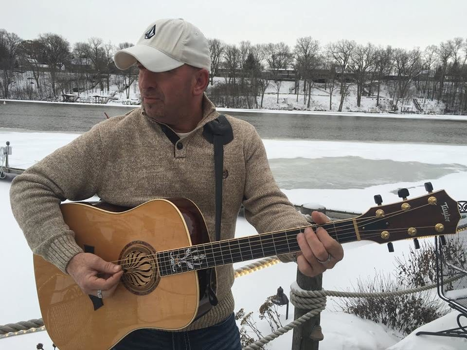 Live Music featuring Todd Richards @ Vines & Rushes Winery | Ripon | Wisconsin | United States
