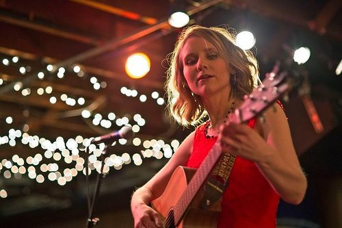 Live Music featuring Laura Joy @ Vines & Rushes Winery |  |  |